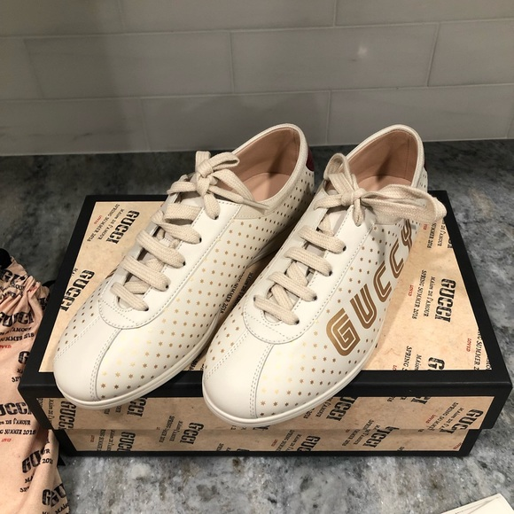 a9e940411bf Authentic Gucci shoes - brand new!